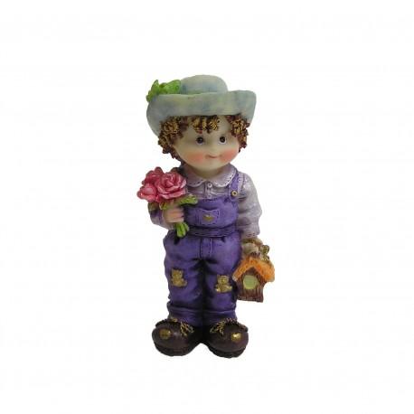 Petit garçon avec bouquet de fleurs