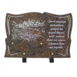 Plaque funéraire en granit sur pieds himalaya avec gravure couleur village rivière