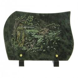 Plaque funéraire en granit sur pied vert gravure scène de chasse