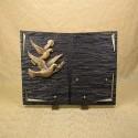 Livre en résine noir bronze 2 colombes